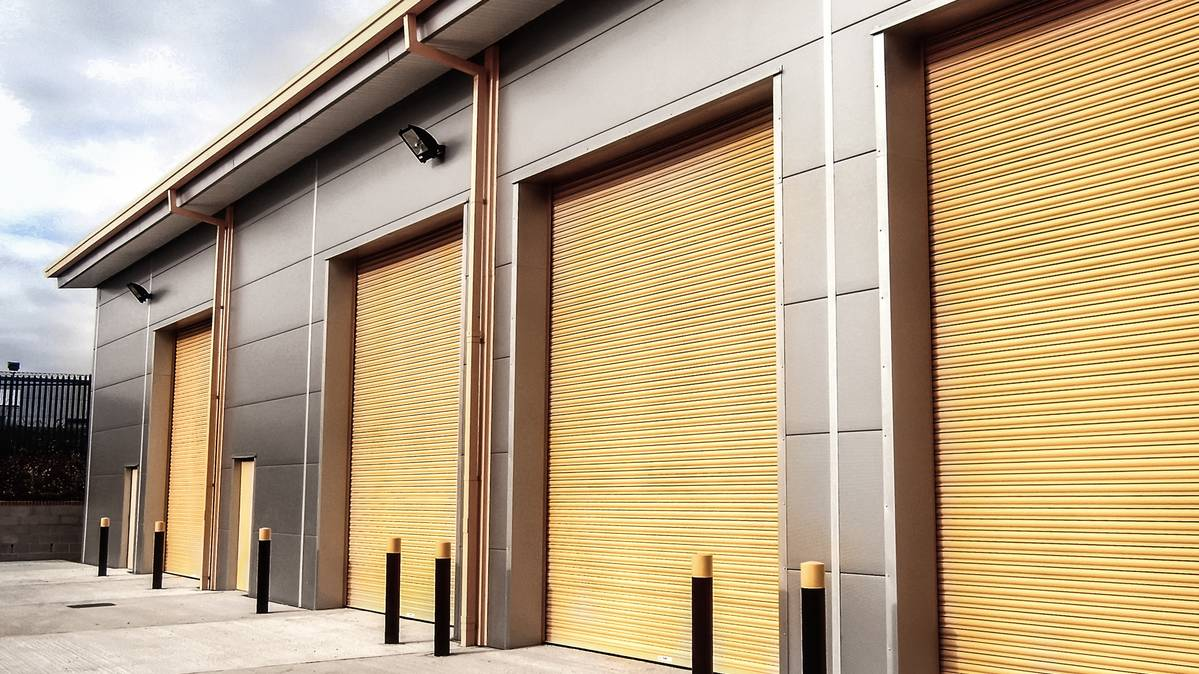 High-grade and inexpensive shop roller shutters   Stunning Shop Fitters