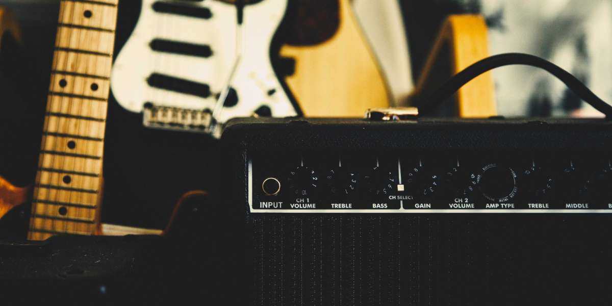 What Exactly Is a Monoblock Amplifier?